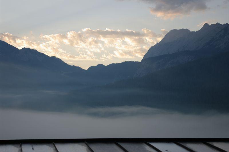 Morgennebel im Zugspitzgebiet, Österreich / morning mist Zugspitze region, Austria